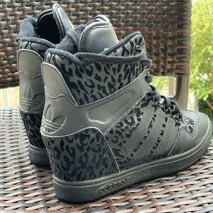 Adidas Cheetah Print Platform sneakers Size:7